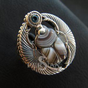 Перстень «Скарабей» с агатом и свисс топазом