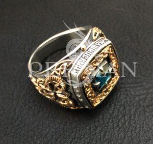 Серебряный перстень «Дар Волхвов» именной с лондон топазом и золотыми накладками по бокам