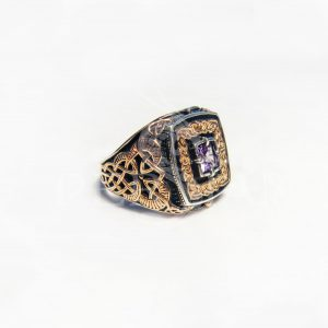 Серебряный перстень «Дар Волхвов» с аметистом и золотыми накладками по бокам