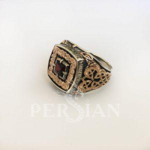 Серебряный перстень «Дар Волхвов» с гранатом и золотыми накладками по бокам
