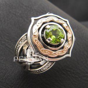 Серебряное кольцо «Elfe» с хризолитом