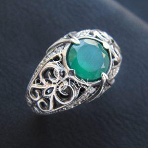 Серебряное кольцо «Estinae» с зелёным агатом