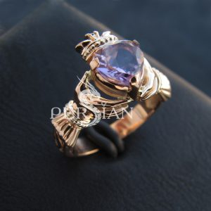 Кольцо золотое «Кладдах» с аметистом