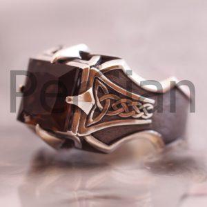 Серебряный перстень «Коготь Глаурунга» с раухтопазом