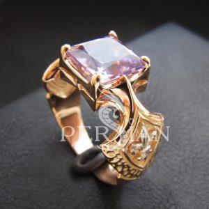 Золотой перстень «Королевская Власть» с аметистом