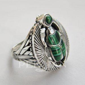 Перстень «Скарабей» с малахитом
