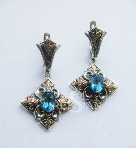 Серебряные серьги «Цветы Византии» со свисс топазом