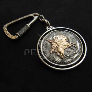Брелок из серебра «Георгий Победоносец» с золотой накладкой