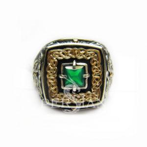 Серебряный перстень «Дар Волхвов» с зелёным агатом