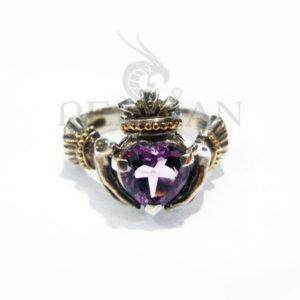 Серебряное кольцо «Кладдах» с аметистом