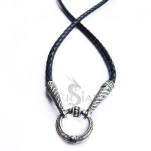Кожаный шнурок с серебряными конусными наконечниками