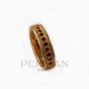 Золотое кольцо «Дорожка» с гранатами
