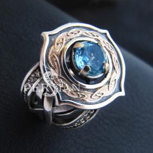 Серебряное кольцо «Elfe» со свисс топазом