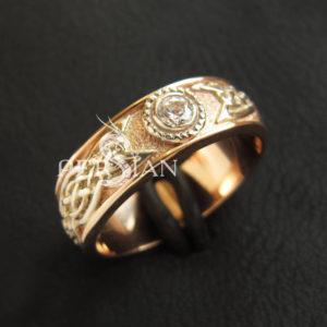 Золотое кольцо «Кельтское Солнце» с цирконом