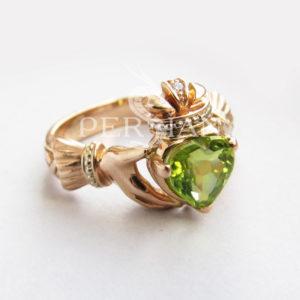 Кольцо золотое «Кладдах» с хризолитом