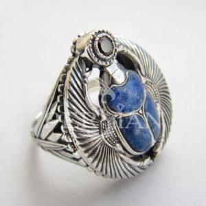 Перстень «Скарабей» с лазуритом и гранатом