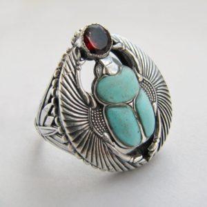 Перстень «Скарабей» с бирюзой и гранатом