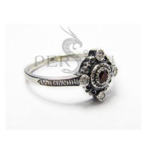 Серебряное кольцо «Спаси и Сохрани» с гранатом