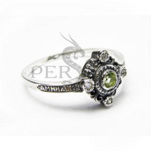 Серебряное кольцо «Спаси и Сохрани» с хризолитом