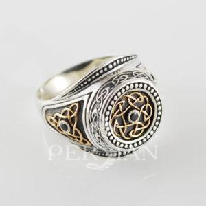 Серебряный перстень «Всевластный Спаси и Сохрани» с чёрным цирконом