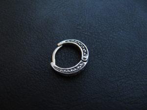 Одиночная серебряная серьга