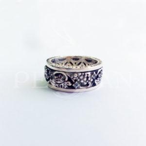 Охранное кольцо с топазами